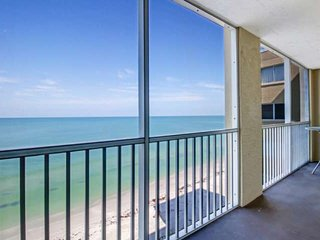 Newly Listed! Gorgeous Gulf Front, Private Beach, Heated Pool, Free Covered Park