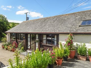 THE CART LINHAY, neat, single storey cottage on 130 acre traditional Devon farm