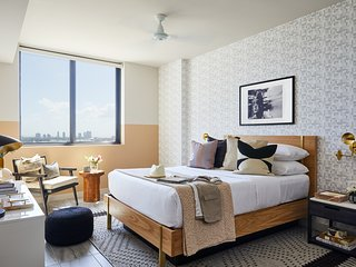 Domio Downtown Miami | Bay View One Bedroom | Balcony + Pool + Gym