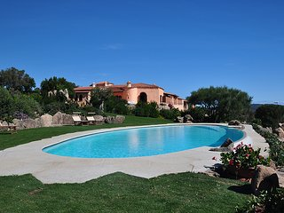 Villa Isabel, Sea View, Swimming Pool and Jacuzzi