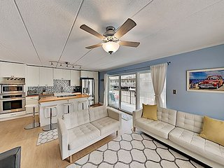 Completely Remodeled Condo w/ Private Balcony - 100 Yards to Beach!