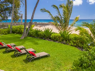 Classic country home on a breathtaking beach, welcome to Aloha Pearl!