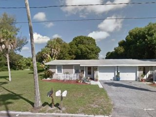 2 Bedroom Home - Steps to Nokomis Beach