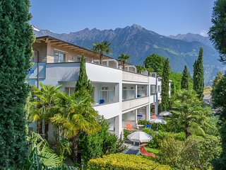 Apartment mit Balkon oder Dachterrasse und Klimaanlage