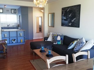 Villa Marina Spacious Holiday Apartment in Mouille Point