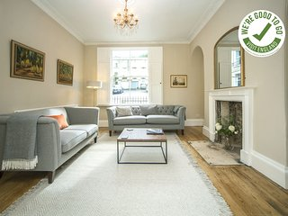 GARDEN APARTMENT - BATH - Luxury 2 Bedroom Self Catered Holiday Rental in Bath C