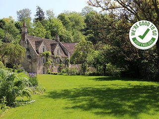 MIDFORD MILL - BATH - Stunning 4 Bedroom Self Catered Holiday Rental Minutes fro