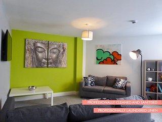Mia's Place - Chester City Apartments (Sleeps upto 12)