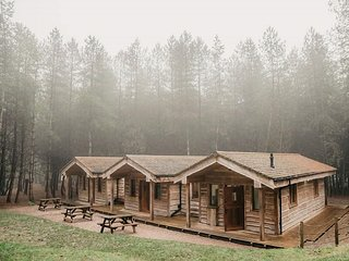 Private woodland lodge in Staffordshire near Peak District and Alton Towers