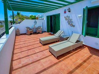 CASA SOL, AIR CON, apartment with WIFI, HAND SANITISER UNIT #SAFE,VV License