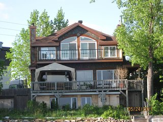 Waterfront Apartment 15 Min From Montreal Airport