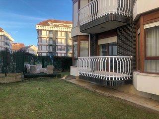 Alquiler apartamento bajo con jardín Noja