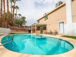 Vegas Delight! 4Bd w/ Sparkling Pool!