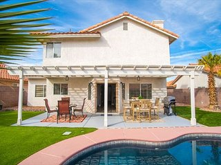 Chic Oasis near Vegas w/ Shimmering Pool & Jacuzzi!