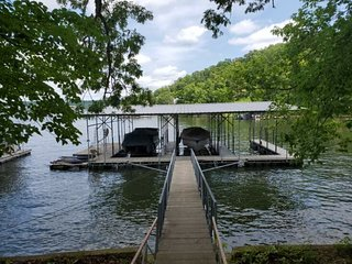 Large Lake Tudor Home, Dock, 3 acres, walk to Bagnell Dam , 1 MM