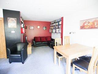 University Luxury Apartment 2