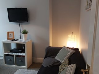 Comfortable and Convenient Wavertree House, Fast WiFi, Netflix and Free Parking