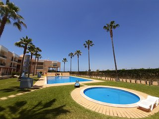 Fabulous THREE bedroom - Marina Sol - Short walk to the marina and Falesia beach