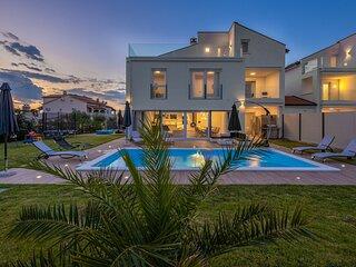 Beautiful Villa Eni West