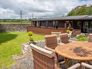 North Lodge - 3-Bedroom lodge with a lovely enclosed garden. 10-Minute walk to C