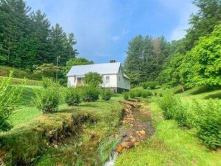 Heartstrings - Newly Renovated Farmhouse on Creek Near Jefferson Landing