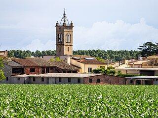 CASA NURIA - casa de 3 plantas con piscina publica y solarium cerca de Girona