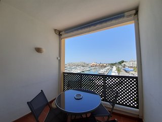 Beautiful ONE bedroom Marina Plaza Apartment by Vilamoura Marina