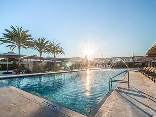 Magic Views 4 B/R Villa with Free Parking & Wi-Fi Near Disney