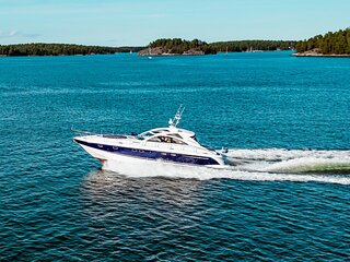 Luxury Yacht in Strandvagen