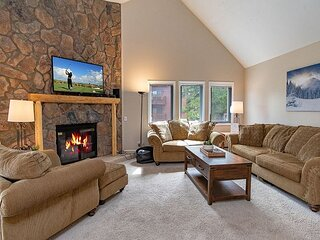 Park Place 305C Ski-in Condo: Great Town/Slope Access!