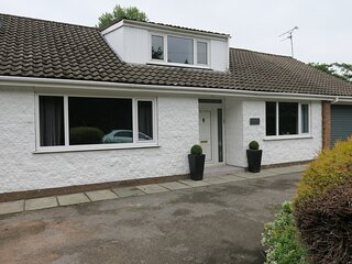 200yards from idyllic Delamere Forest, 3 bedroom detached house, gardens/ patio