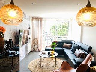 Appartement accès direct mer, en face du port et de toutes commodités