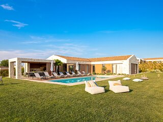 Modern Villa Terra Biancha, in Istria, with a Pool