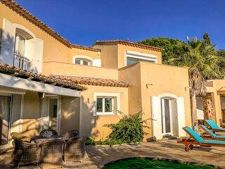 1403903 newly renovated villa,5 bedrooms, airconditioning, seaview, pool 10 x 5