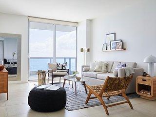 Domio | Miami Beach | Chic Ocean View + Balcony | One Bedroom