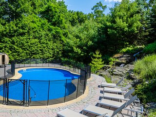 ★PRIVATE POOL~OUTDOOR Hot Tub & Sauna~Game Room~Water Fall~PS4 ★