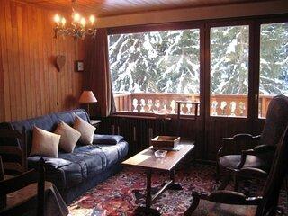 Emplacement ideal pour ce studio avec balcon vue Saulire!