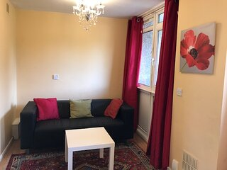 4 bed apartment newly furnished near city centre