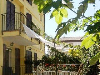 Villa NORMA A bifamigliare 3 camere/3 bagni con giardino privato centralissima