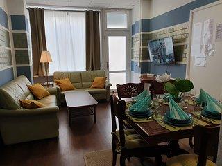 Big & Cosy Central Lichtenberg City Apartment