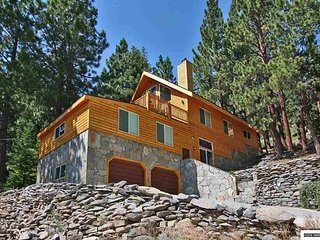 A Perfect Tahoe Cabin with views of Heavenly Ski Resort (SL389)