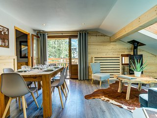 Sapin 3 Chamonix centre. 2 bedrooms, sleeps 4, view Mont Blanc