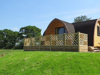 Meadow View - Luxury En-Suite Glamping Pod in Ellesmere, Shropshire