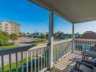 No Contact Check In - 4 Separate Apartments in 1 House, Water View from Balcony,