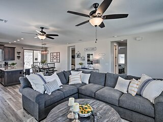 Luxe 2020 Home w/OHV Access, 5 Mi to Lake Mohave!