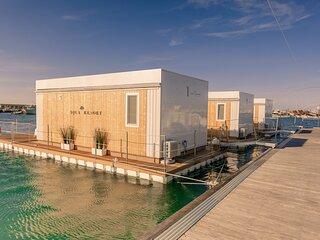 Aqua Resort Giulianova - Houseboat Experience