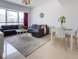 Spacious 1BR Apartment in JLT - Sleeps 4