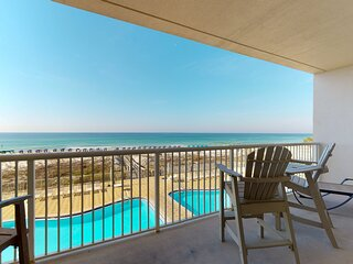 3rd Floor Amazing Condo w/ Gulf-Front Balcony, On-Site Pool, On The Beach