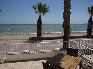 25% re-start discount - Front line beach apartment