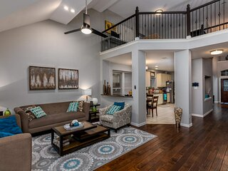 The Park Side Lux Family friendly, smart home, close to all Dallas Attractions
